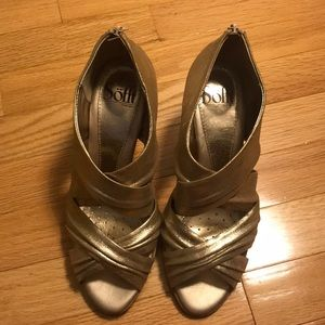 Sofft Heels! Beautiful gold color - size: 7M